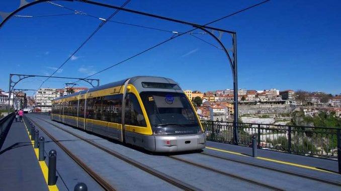 Porto-metro_metro_01