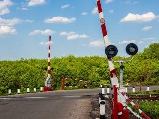 Ziua siguranței la trecerile la nivel Poliție la trecerile la nivel eliminarea trecerilor la nivel trecerile la nivel cu calea ferată amenajarea trecerilor la nivel licitație la Regionala Cluj