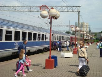 peroane moderne la Gara Constanța trenuri cu electricieni Trenurile Soarelui 2020 gratis cu trenul vagoane modernizate mersul trenurilor de Sfânta Maria călătorii cu trenul pentru studenți tren suplimentar spre Constanța revizia tehnică a vagoanelor