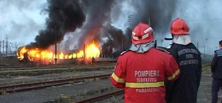 incendiu la locomotiva incendiu în Depoul Brașov