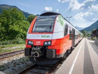 tren cu muncitori români spre Austria tren Satu Mare-Viena