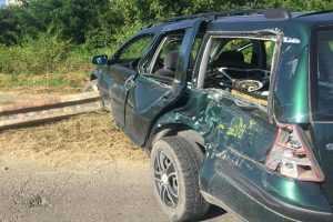 Mașină lovită de Săgeata Albastră