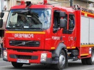 locomotivă în flăcări incendiu la locomotiva incendiu la Constanța