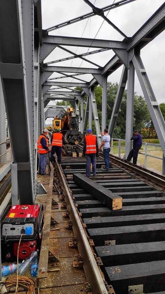 podețe la Regionala Brașov topul companiilor românești exproprieri la calea ferată poduri afectate de inundații poduri feroviare afectate de inundații Bugetul CFR SA pe 2020 licitație pentru traverse trenul București-Suceava