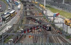 tren a deraiat în Hong Kong