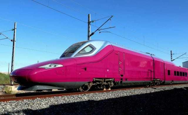 trenurile low cost EVA