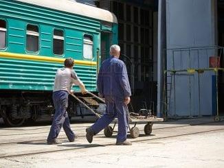 recuperarea restanțelor salariale la CFM grevă la Calea Ferată concedieri la Calea Ferată din Moldova majorări de salarii la CFM Sindicaliștii de la CFM Feroviarii din Republica Moldova