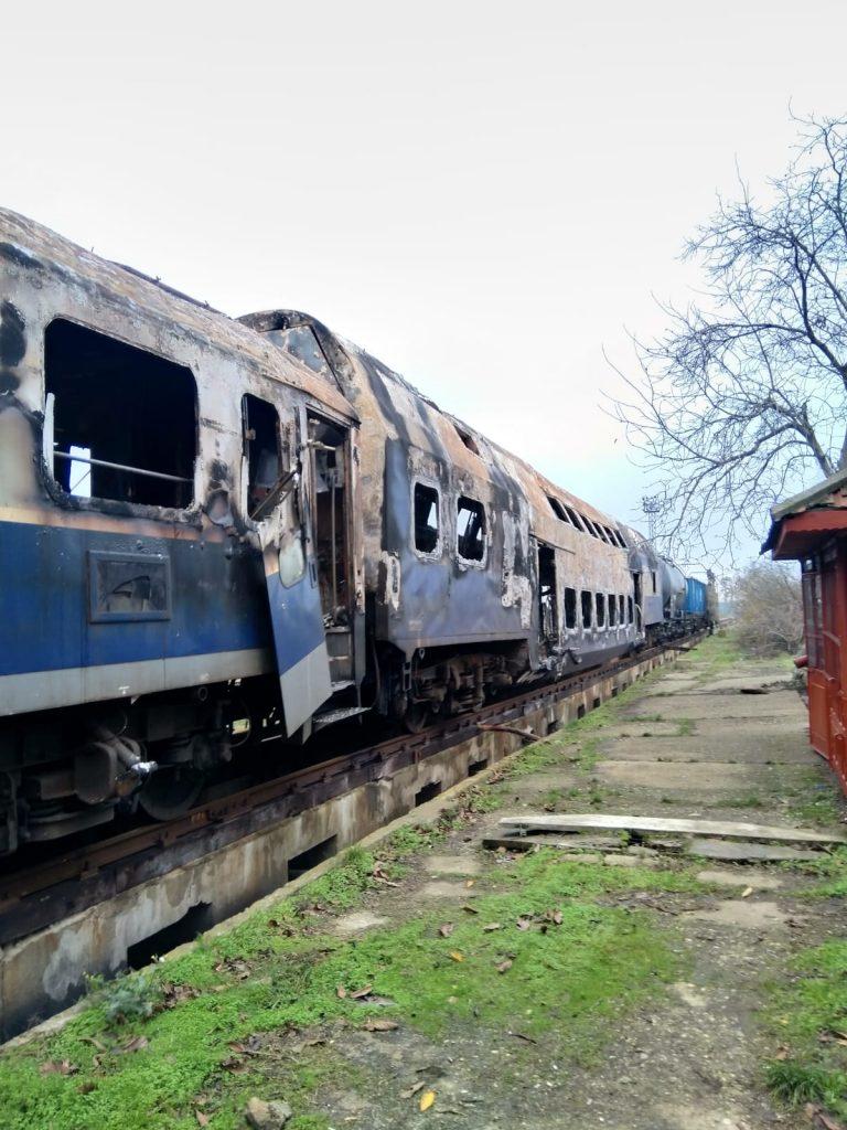 CFR SA a reluat circulația vagoanele arse