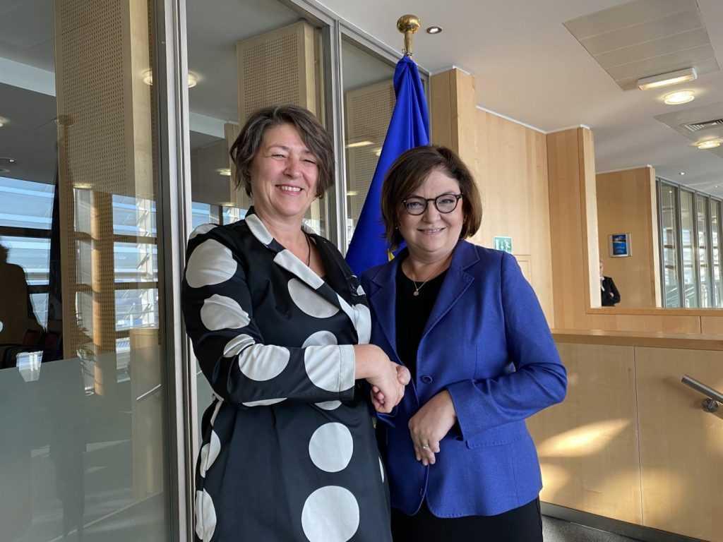 Adina Vălean a preluat mandatul