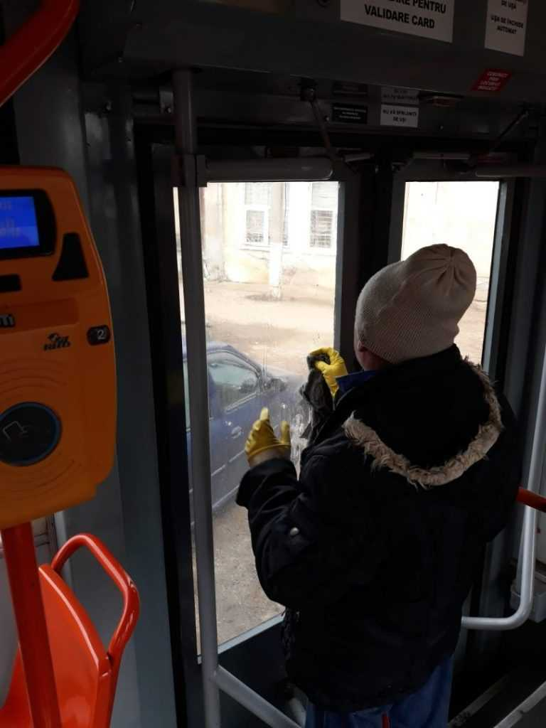 curățenie în tramvaie