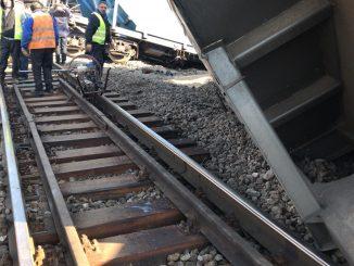 vagoane răsturnate la Drăgănești Olt deraierea de la Drăgănești Olt degajarea căii ferate