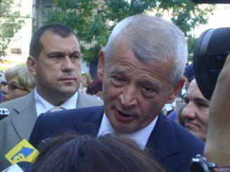 buclă de întoarcere a tramvaielor Gabriela Firea și Traian Băsescu