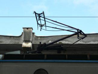 pană de curent pe calea ferată trenuri blocate defecțiune la linia de contact pantograf defect
