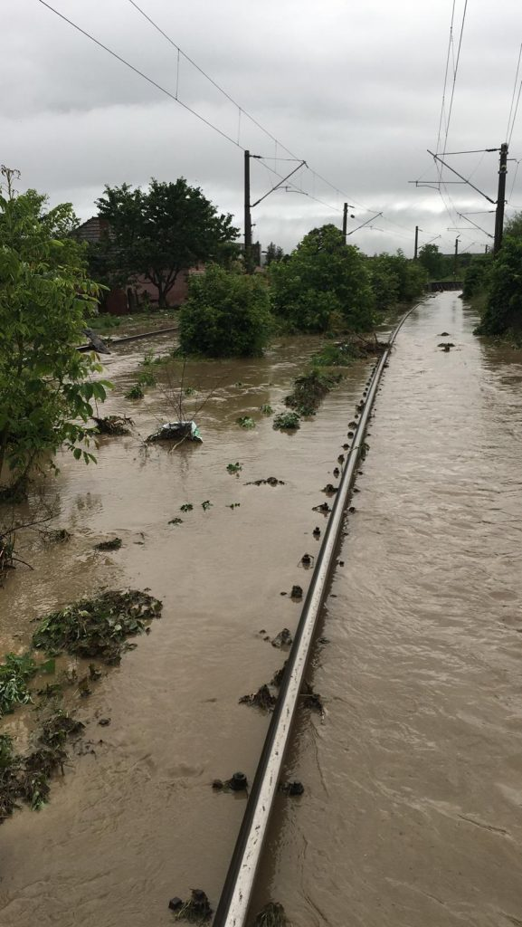 inundații pe calea ferată