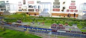 Centrul National de Calificare si Instruire Feroviara (CENAFER) asigură Formarea - Calificarea, Perfecţionarea şi Verificarea profesională periodică a personalului feroviar