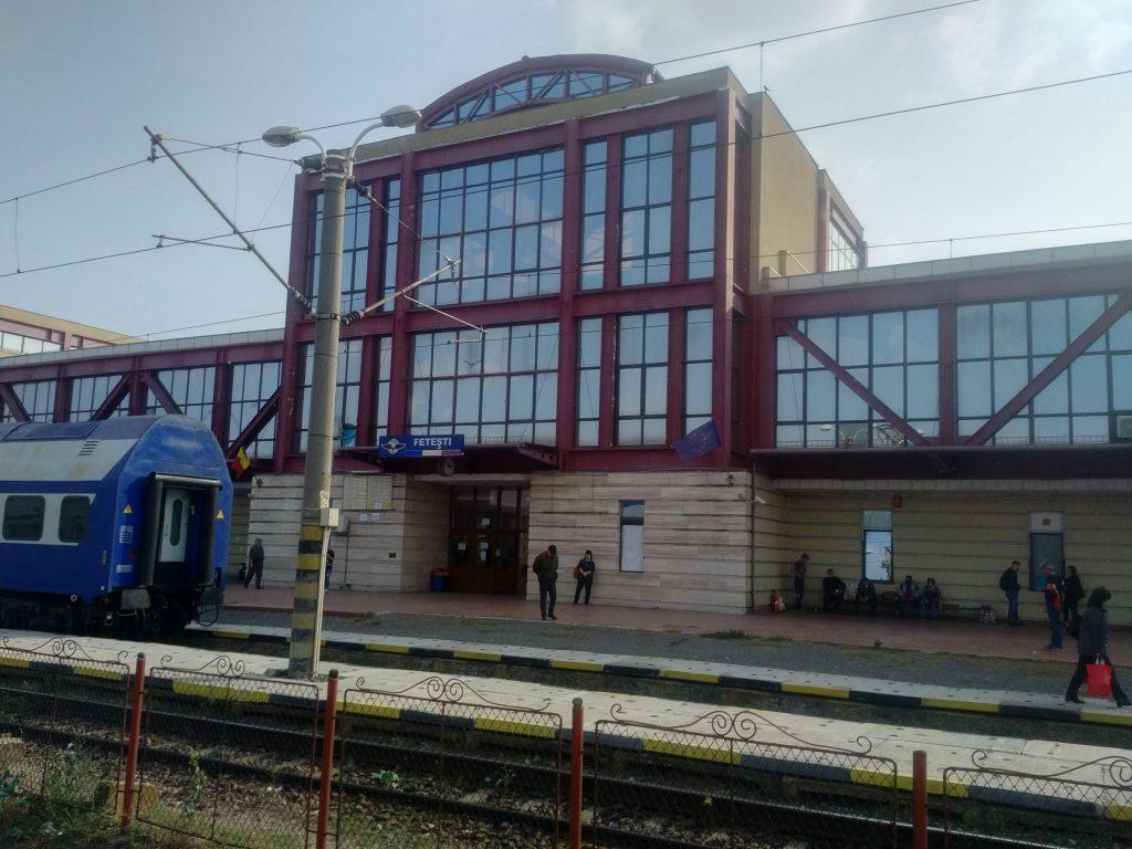 Lucrările la Fetești și Ciulnița mașină a fost lovită de tren
