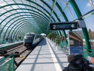 Mersul trenurilor de Aeroport se închide linia de Aeroport casele de bilete la CFR SA recepția liniei de Otopeni
