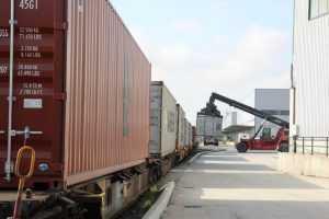 serviciu de transport al Yusen Logistics