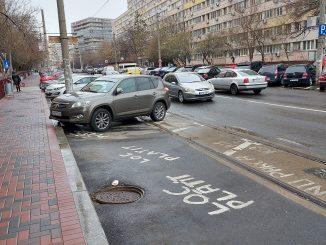 parcare pe linia de tramvai