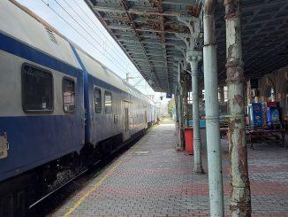 tren de navetiști Fetești-București