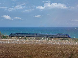 trenurile spre litoral