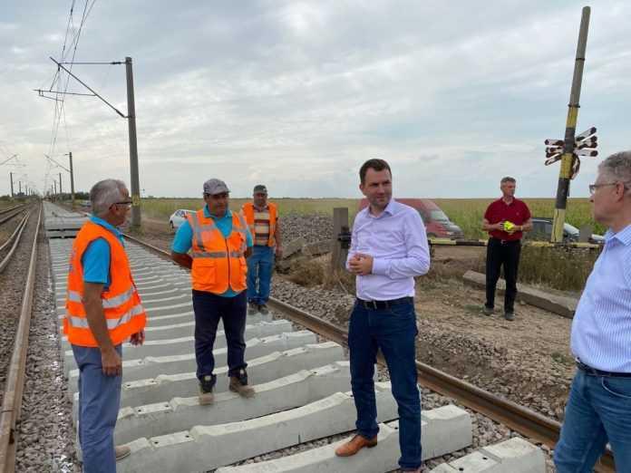 Cătălin Drulă a demisionat Cătălin Drulă pe șantierul feroviar Buzău-Făurei